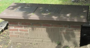 Cotton_Mather_tomb-2